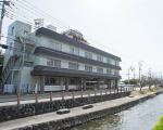石和温泉 ホテル平安に格安で泊まる。
